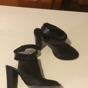 Kenneth Cole Ankle Boots